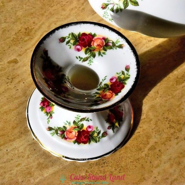 (OUT OF STOCK) OLD COUNTRY ROSES CANDLE HOLDER