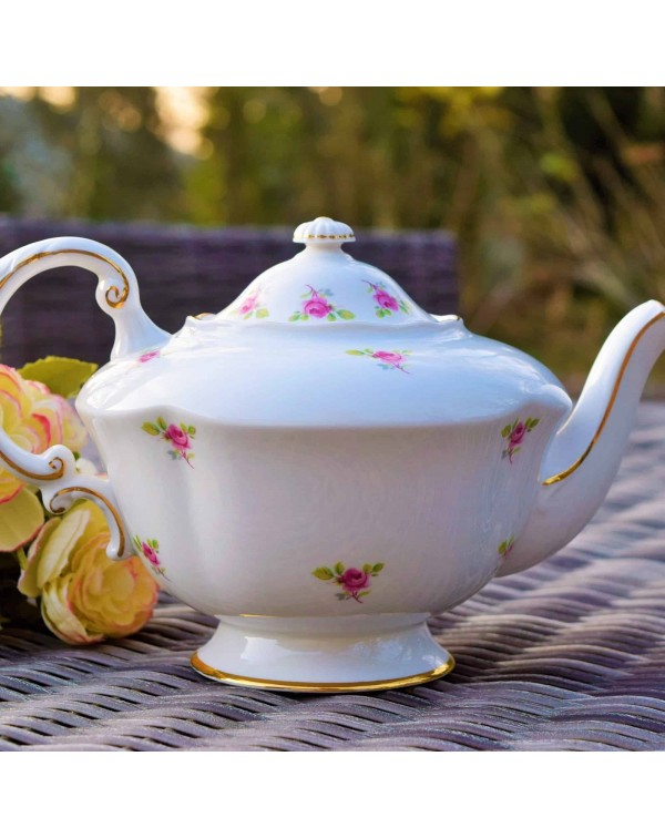 (OUT OF STOCK) PARAGON ROSEBUD TEAPOT