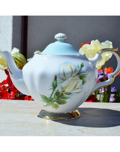 (SOLD)PARAGON HARRY WHEATCROFT TEAPOT VIRGO ROSE