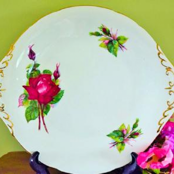 (OUT OF STOCK) PARAGON GRAND GALA CAKE PLATE