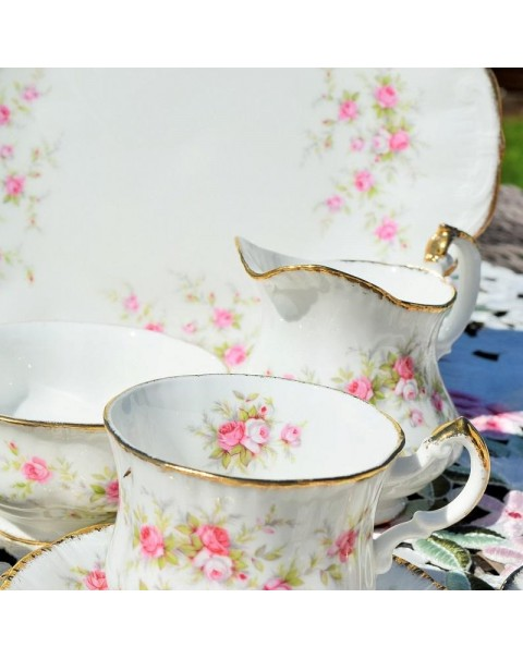 (OUT OF STOCK) PARAGON VICTORIANA ROSE TEA SET