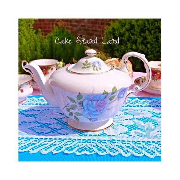 (OUT OF STOCK)  Paragon Blue Moon Teapot
