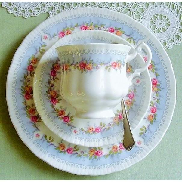 (OUT OF STOCK) PARAGON BRIDESMAID TEA TRIO