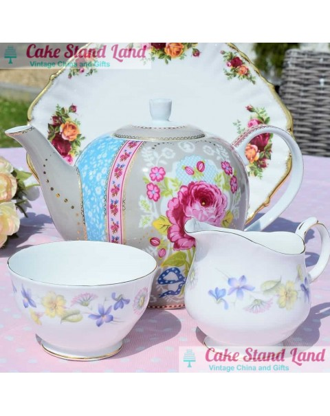 (OUT OF STOCK) HARLEQUIN TEA SET AND PIP STUDIO TEAPOT