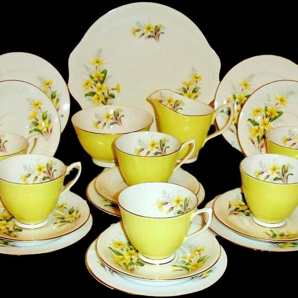 (SOLD) ROYAL ALBERT PRIMROSE TEA SET
