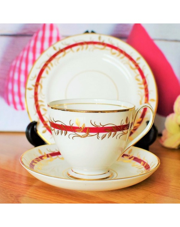 (OUT OF STOCK) QUEEN ANNE RED & GOLD TEA TRIO