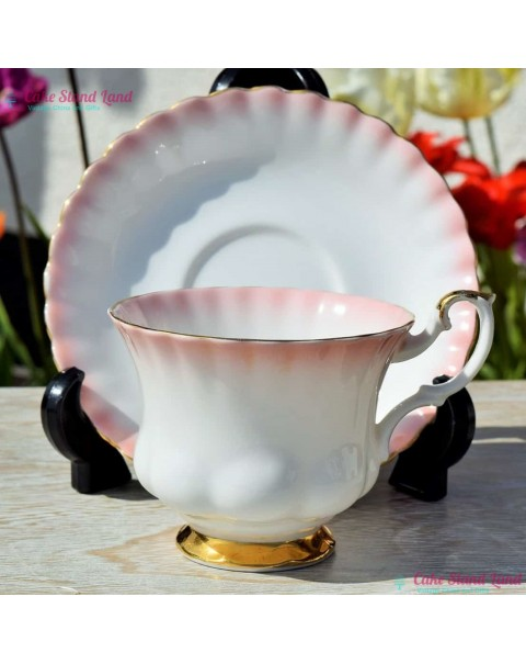 (OUT OF STOCK) ROYAL ALBERT RAINBOW TEA CUP & SAUCER PINK