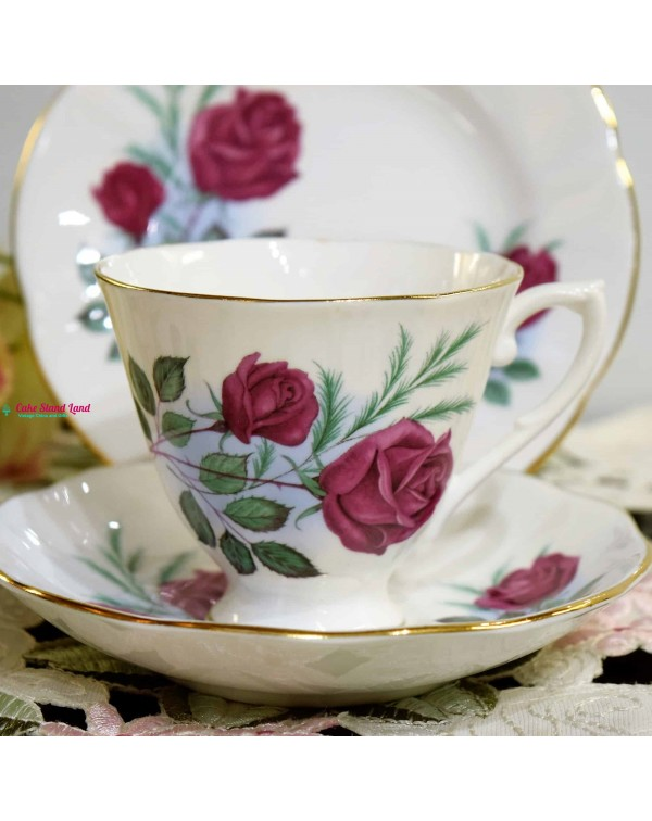 ROSLYN RED ROSE TEA TRIO