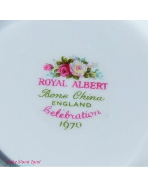 (OUT OF STOCK) ROYAL ALBERT CELEBRATION CAKE PLATE
