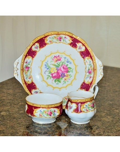 (OUT OF STOCK) ROYAL ALBERT LADY HAMILTON CAKE PLATE SET