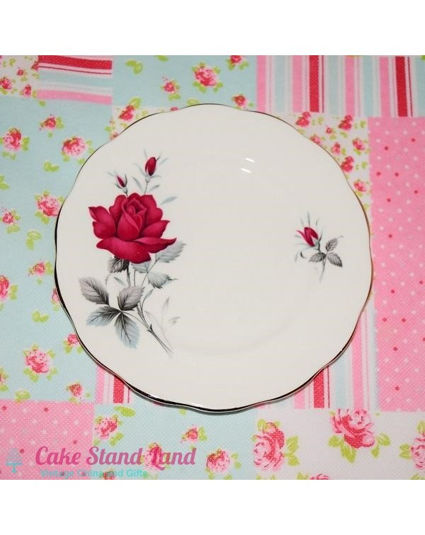 ROYAL ALBERT SWEET ROMANCE TEA PLATE