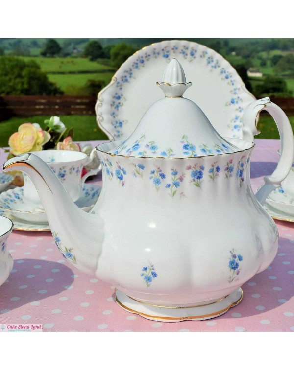 ROYAL ALBERT MEMORY LANE TEAPOT