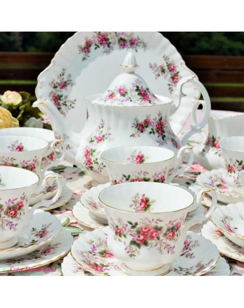 ROYAL ALBERT LAVENDER ROSE TEA SET & CAKE STAND