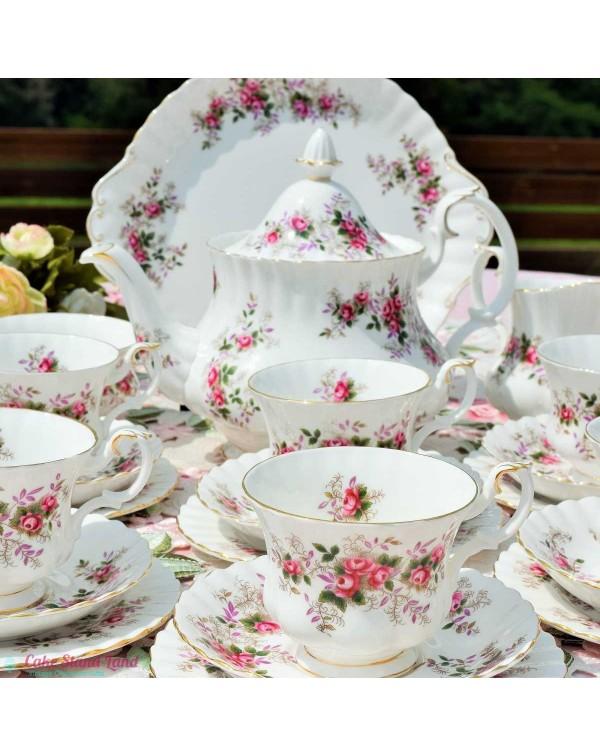 ROYAL ALBERT LAVENDER ROSE TEA SET