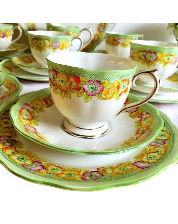 (OUT OF STOCK) ROYAL ALBERT PETUNIA TEA SET