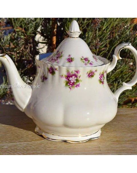 (OUT OF STOCK) ROYAL ALBERT SWEET VIOLETS TEAPOT
