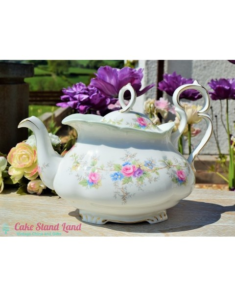 (OUT OF STOCK) ROYAL ALBERT COLLEEN TEAPOT