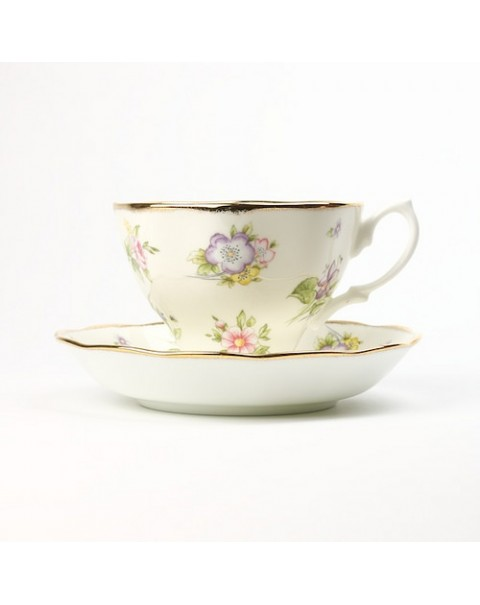 NEW CELEBRATION ROYAL ALBERT SPRING MEADOW DUO