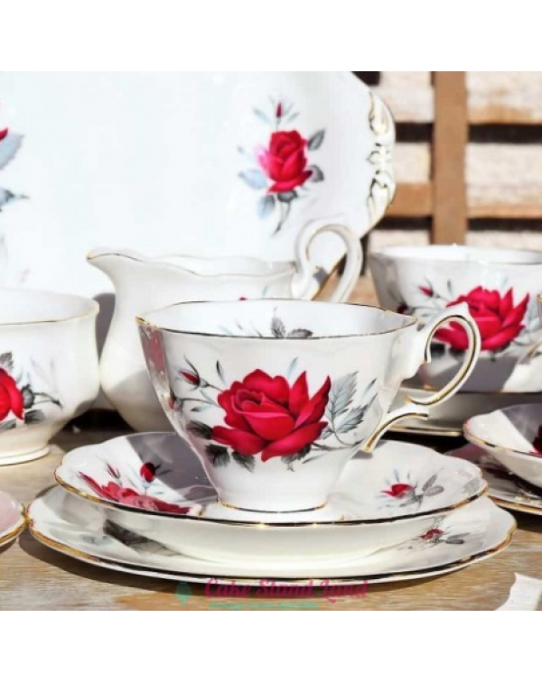 (OUT OF STOCK) ROYAL ALBERT SWEET ROMANCE TEA TRIO