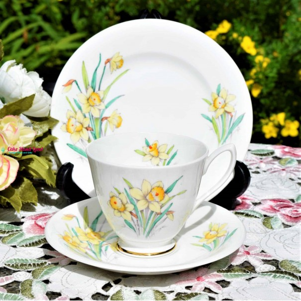 ROYAL ALBERT DAFFODIL TEA TRIO