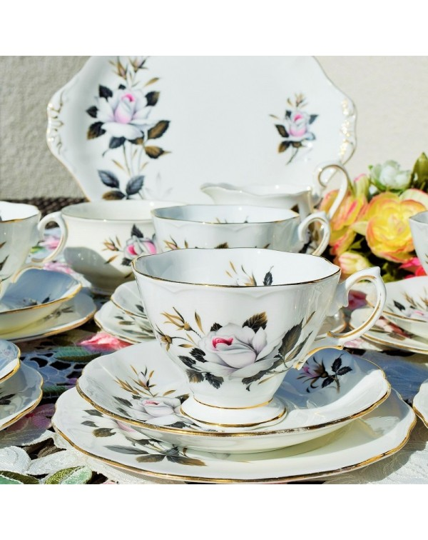 ROYAL ALBERT QUEENS MESSENGER TEA SET