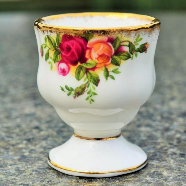(OUT OF STOCK) OLD COUNTRY ROSES EGG CUP
