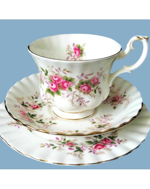 ROYAL ALBERT LAVENDER ROSE TEA TRIO