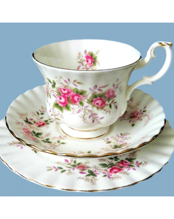 ROYAL ALBERT LAVENDER ROSE TEA TRIO