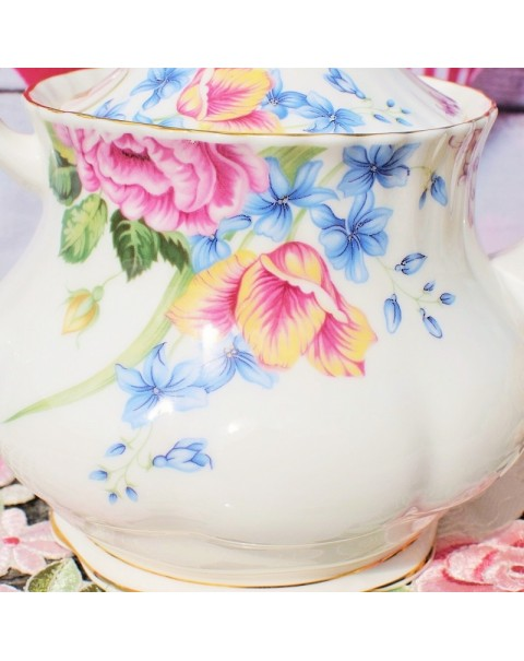 (OUT OF STOCK) ROYAL ALBERT BEATRICE TEAPOT