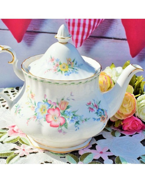 (OUT OF STOCK) ROYAL ALBERT CONSTANCE TEAPOT