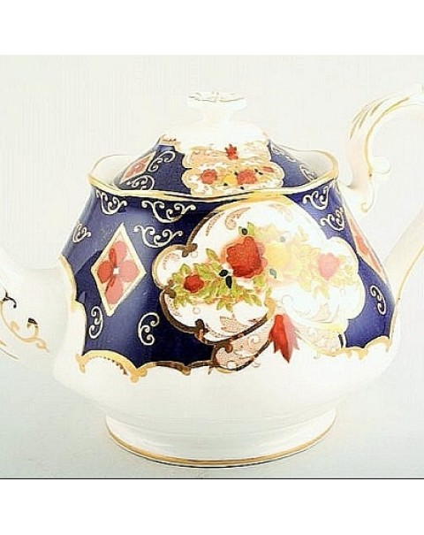 (OUT OF STOCK) ROYAL ALBERT HEIRLOOM TEAPOT