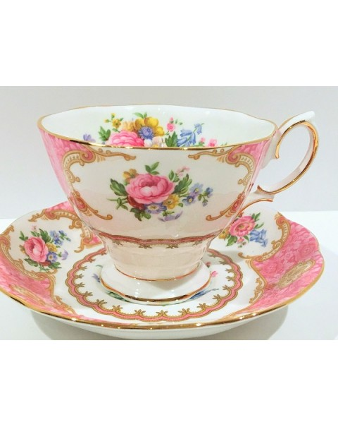 (OUT OF STOCK) ROYAL ALBERT LADY CARLYLE TEA CUP & SAUCER