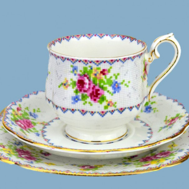 (OUT OF STOCK) ROYAL ALBERT PETITE POINT TEA TRIO