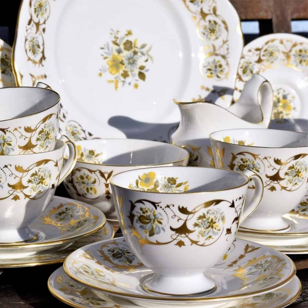 ROYAL CROWN DERBY GOLD TEA SET