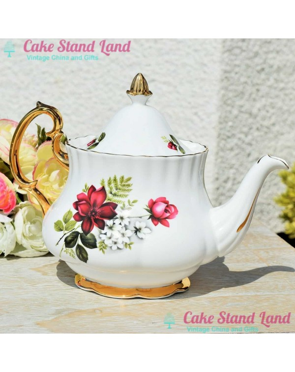 (OUT OF STOCK) Royal Imperial Roses teapot