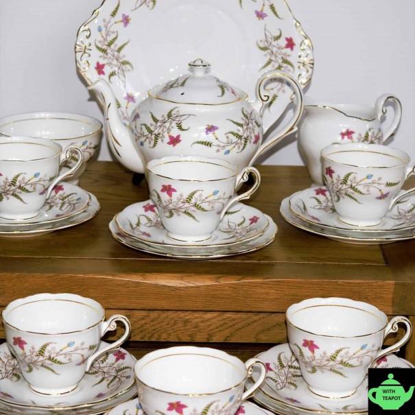 (SOLD) ROYAL STANDARD FANCY FREE TEA SET AND TEAPOT
