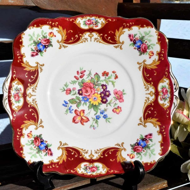 (SOLD) ROYAL STANDARD LADY FAYRE CAKE  PLATE