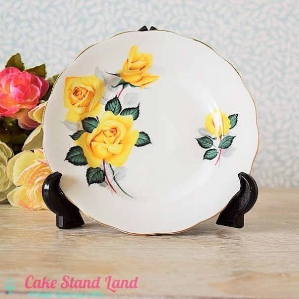 (OUT OF STOCK) ROYAL STANDARD TEA PLATE ROSES