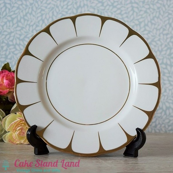 (OUT OF STOCK) ROYAL VALE SALAD PLATE