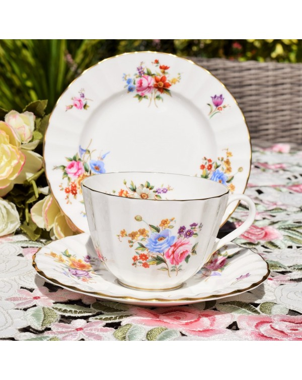 ROYAL WORCESTER ROANOKE TEA TRIO