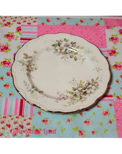 (OUT OF STOCK) ROYAL ALBERT HAWORTH SALAD PLATE