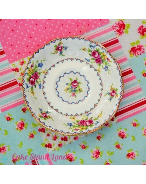 (OUT OF STOCK) ROYAL ALBERT PETITE POINT SAUCER