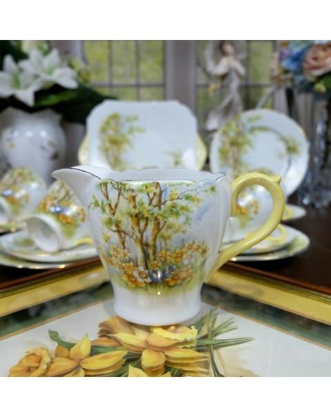 (SOLD) SHELLEY DAFFODIL VINTAGE TEA SET FOR SIX.