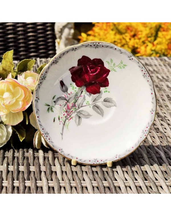 ROYAL STAFFORED ROSE TO REMEMBER TEA SAUCER