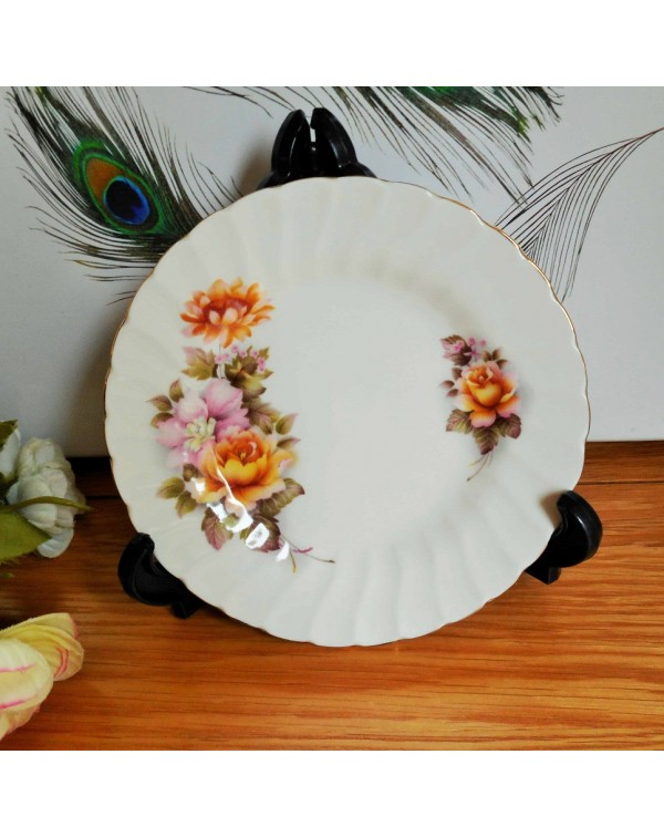 (SOLD) ROYAL SUTHERLAND TEA PLATE
