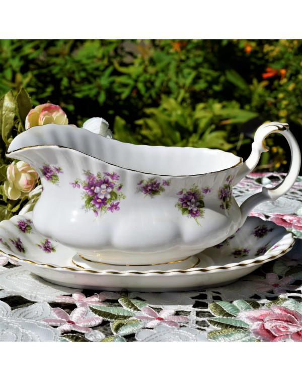 ROYAL ALBERT SWEET VIOLETS GRAVY BOAT & STAND