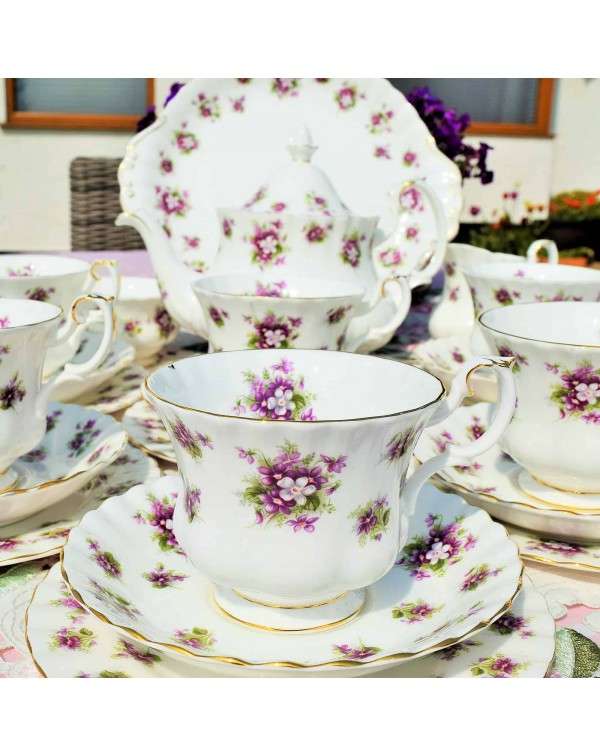 (OUT OF STOCK) ROYAL ALBERT SWEET VIOLETS TEA SET