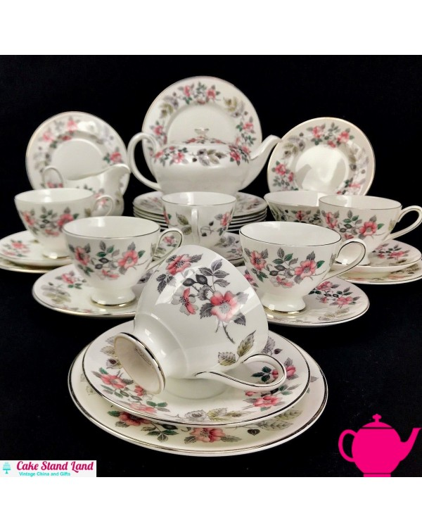 (SOLD) TUSCAN RICHMOND HILL TEA SET 28 PIECES