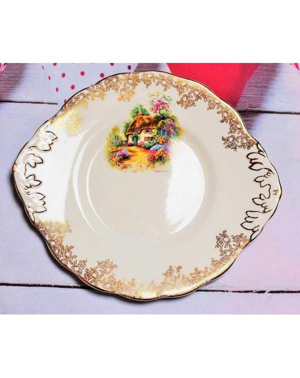 (OUT OF STOCK) HOMESTEAD CAKE PLATE