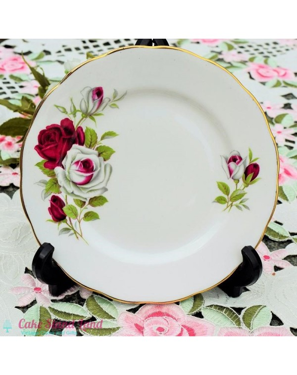 (OUT OF STOCK) RED & WHITE ROSE TEA PLATE